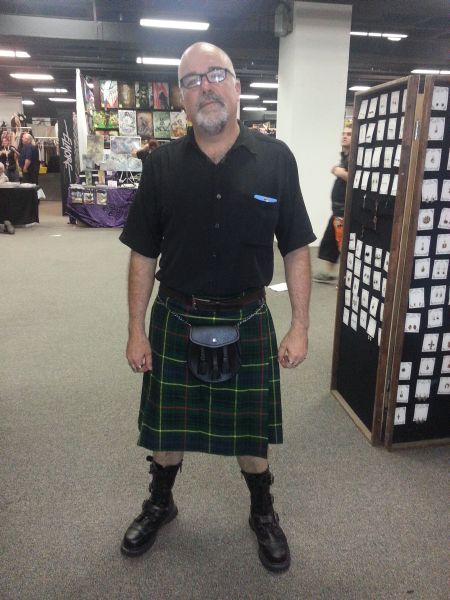 I bought a new kilt and sporran to fit in. Damn, I look good.